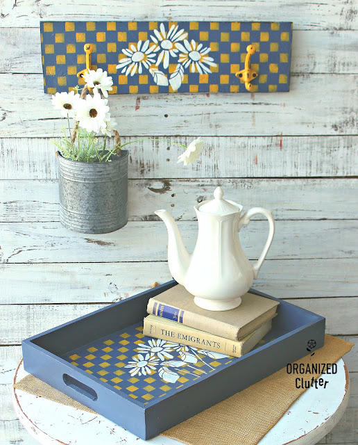 Serving Tray Makeover With Matching Sign #thriftshopmakeover #upcycle #dixiebellepaint #checks #daisies #stencil #servingtray