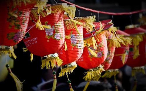 As tradicionais lanternas vermelhas, decoração clássica das festividades do ano novo chinês