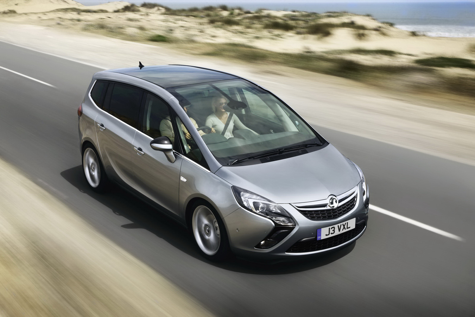 creation blogs all new 2012 opel zafira 7 seater. Black Bedroom Furniture Sets. Home Design Ideas