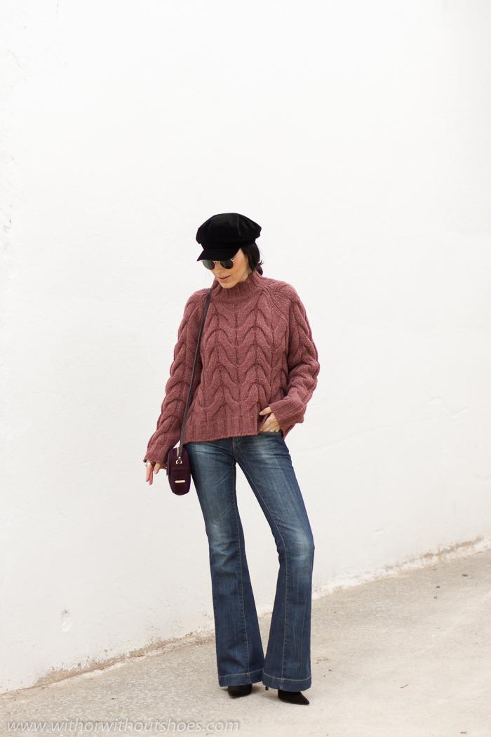 Blogger influencer de moda valenciana con idea para vestir en invierno con frio y jeans acampanados