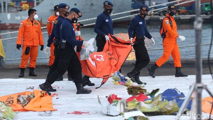 ATC Beber Detik-detik Terakhir Saat Sriwijaya Air Jatuh ke Lautan