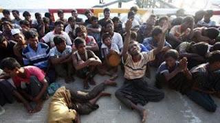 اكثر من 500 الف شخص من مسلمي الروهينغا فروا من البلاد هربا الى بنغلادش