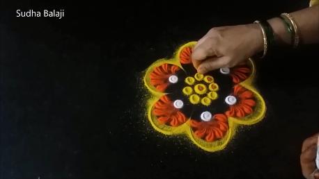 Diwali-rangoli-making-with-tools-1ac.png