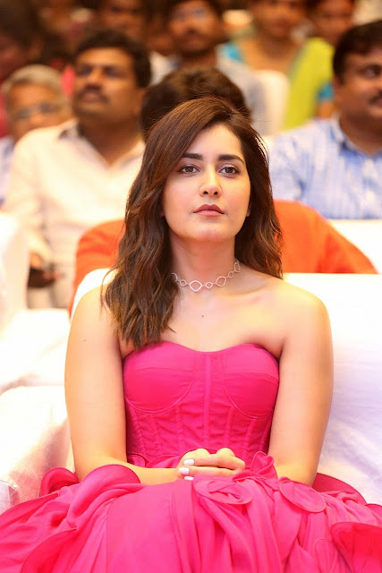 Raashi Khanna images, Raashi Khanna photos, Raashi Khanna hot photos