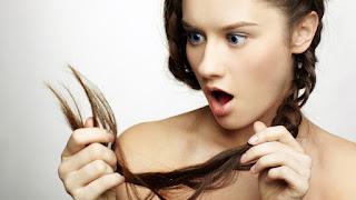 7 Penyebab Rambut Rusak