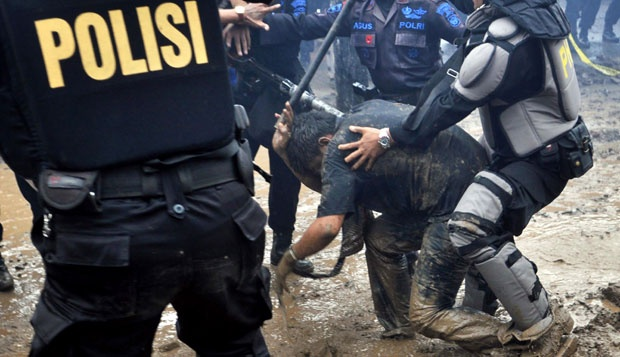 Kerap Kali Terjadi, Dapatkah Penyiksaan Tahanan Polisi Dihentikan?