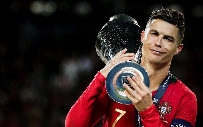 Самый богатый футболист в мире 2019