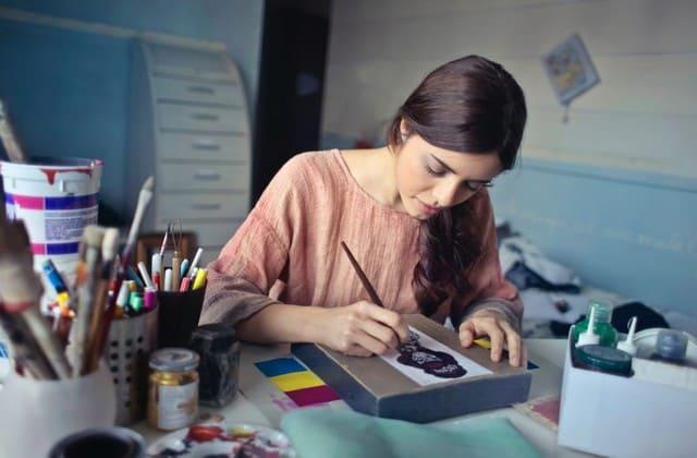 Sedang Belajar DIY, 5 Peralatan Ini Wajib Kamu Miliki untuk Menunjang Hobimu, Girls!
