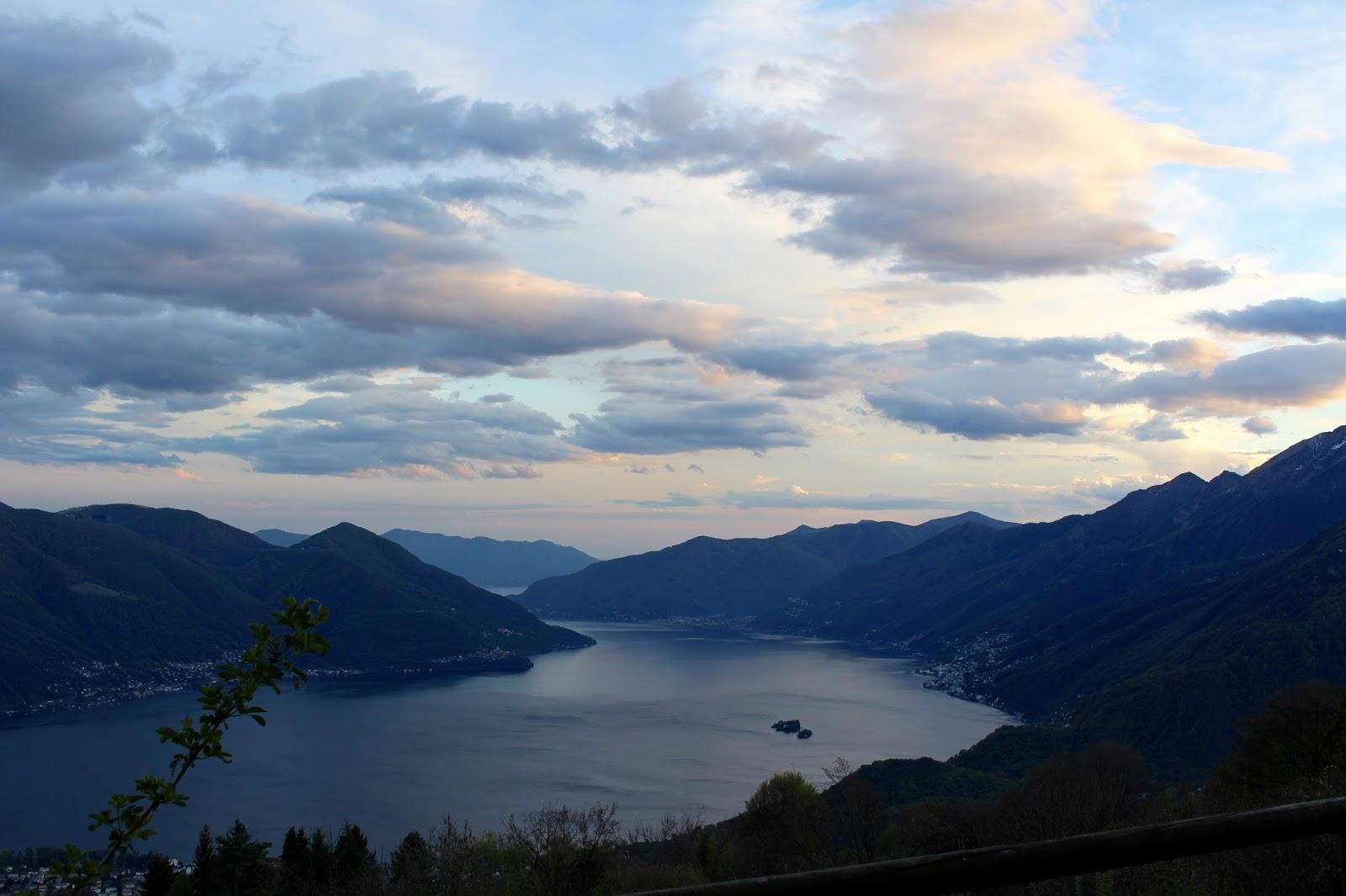 Aussicht von Monte Brè ins Tal - auf Ascona und das Valle Maggia