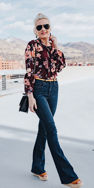 21 Fabulous Fall Outfit Ideas to Start Fall with Style. From work to brunch to date-night, you'll be falling for these ideas that will suit your every need. Women's Style + Fashion via higiggle.com | Floral Top + Jeans Outfits | #fall #winter #outfits #floral