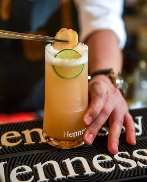 HennessyMyWay 30-Second Challenge, The Pinnacle of Creative Bartendering, Hennessy Malaysia, mixology skills, Bartender, expressive cocktails, Food