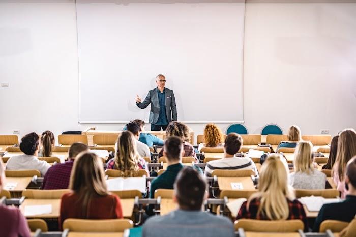 Öğretim Görevlisi Nasıl Olunur?