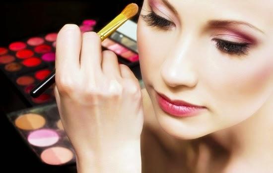 tips merias mata agar terlihat cantik di foto