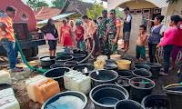 Kodim Bima dan BPBD Kabupaten Bima Distribusikan Air Bersih