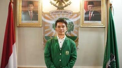 Luar Biasa! Mahasiswa Unand Refa Rahmaddiansyah Juara Pilmapres Program Sarjana Tingkat Nasional