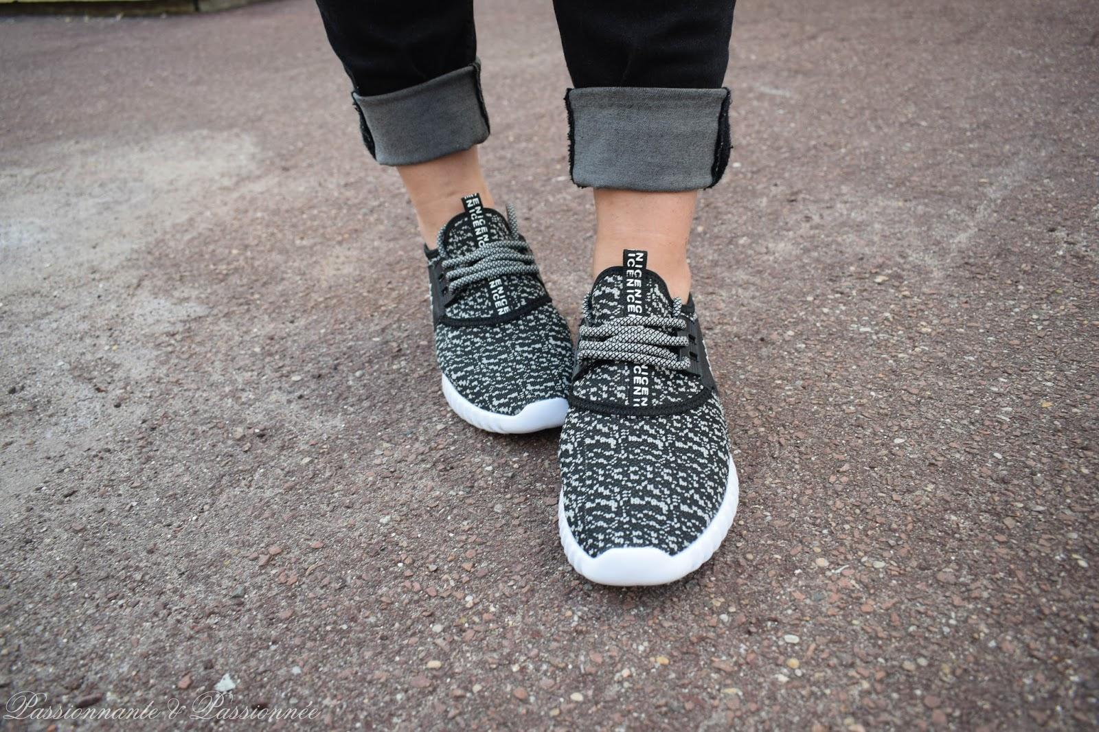 sneakers yeeze