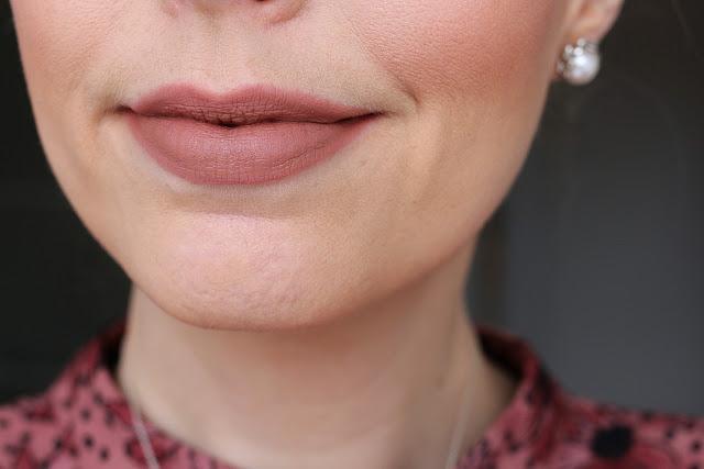 Clarins Velvet Lip Perfector in 01 Velvet Nude