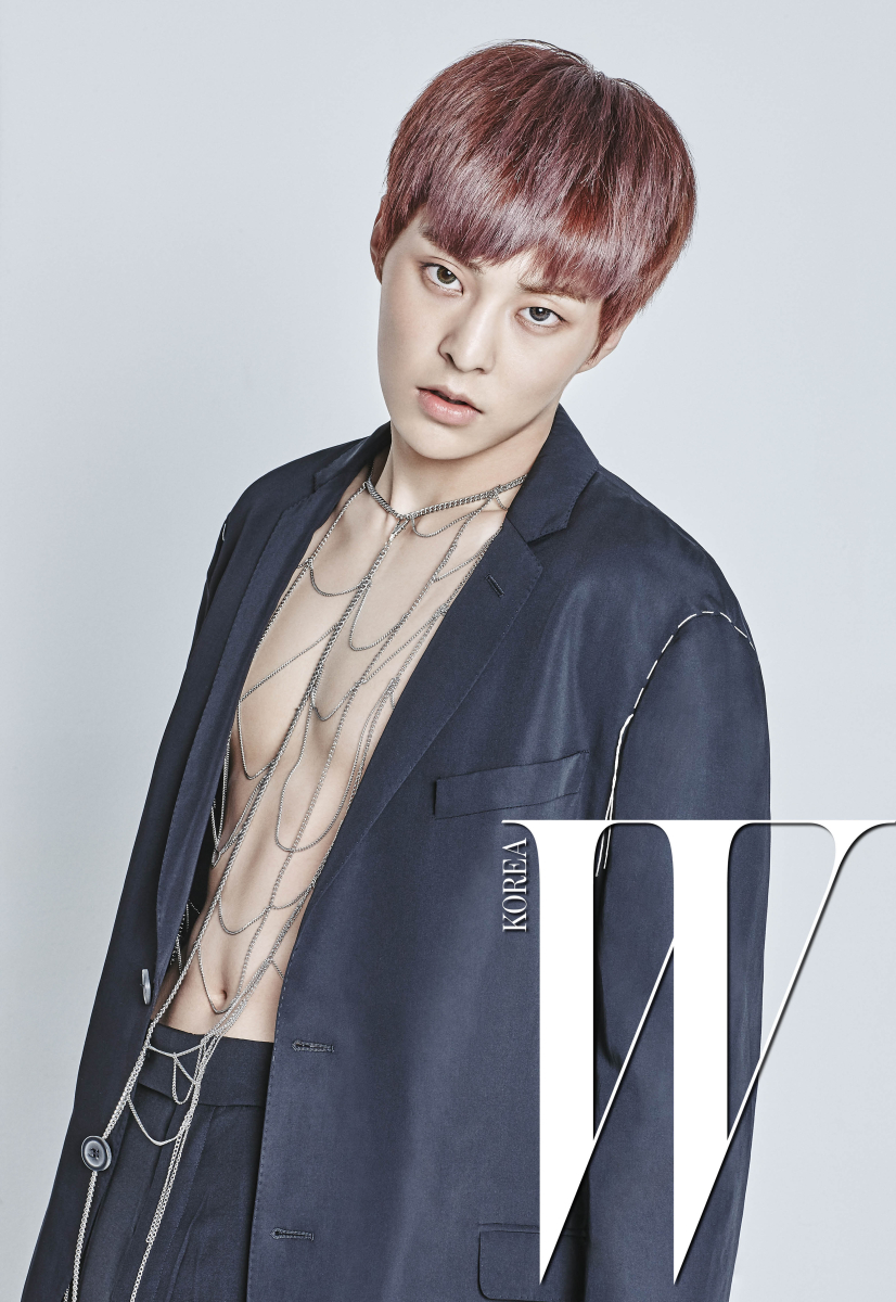 exo xiumin bares his abs for wkorea daily k pop news