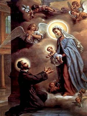 El Santo de rodillas con los brazos extendidos para recibir al Niño Jesus que la Virgen le da