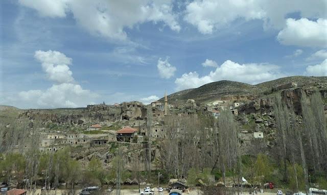 panorama villaggio di belisirma nella valle di ihlara