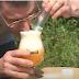 Aujourd'hui René relève le défi de boire de la force 10 avec mélange explosif!
