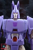 Transformers Kingdom Cyclonus 04