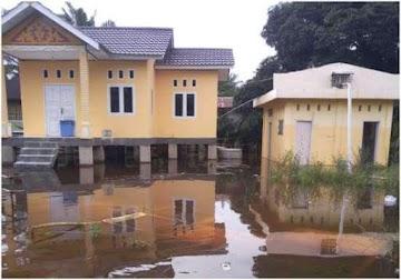 Bantu Korban Banjir di Pangkalan Kerinci, Perusahaan Sukanto Tanoto Suplai Kebutuhan Pokok