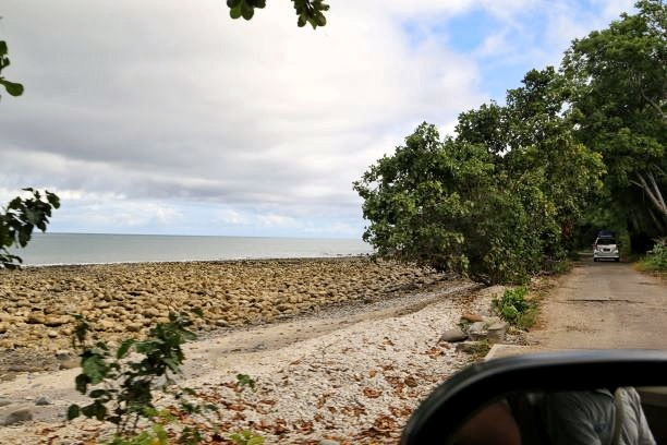Pantai sepanjang jalan Satar Mese