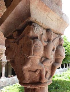 ROMÁNICO EN NUEVA YORK. THE CLOISTERS MET. Claustro de Saint Michel de Cluxa. Capitel 7