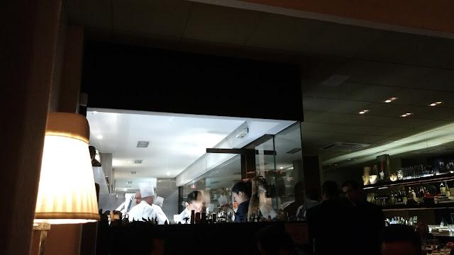 vista da cozinha do D.O.M alex atala