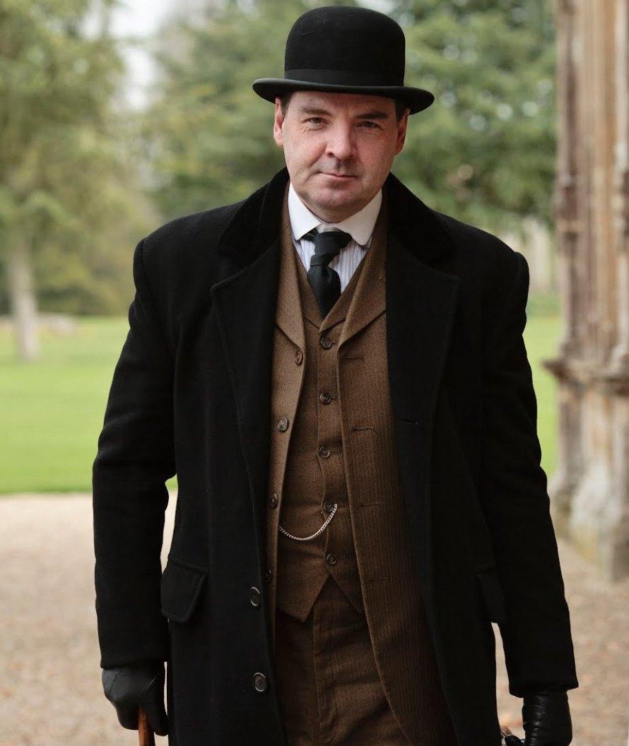 MODÉSTIA MASCULINA: Mr. Bates, criado e cavalheiro