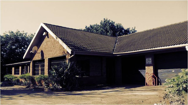 Nyala Street HLUHLUWE Safari living Big 5 Living Dream Home Office and home combo