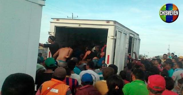400 individuos saquearon un camión lleno de juguetes en el Zulia