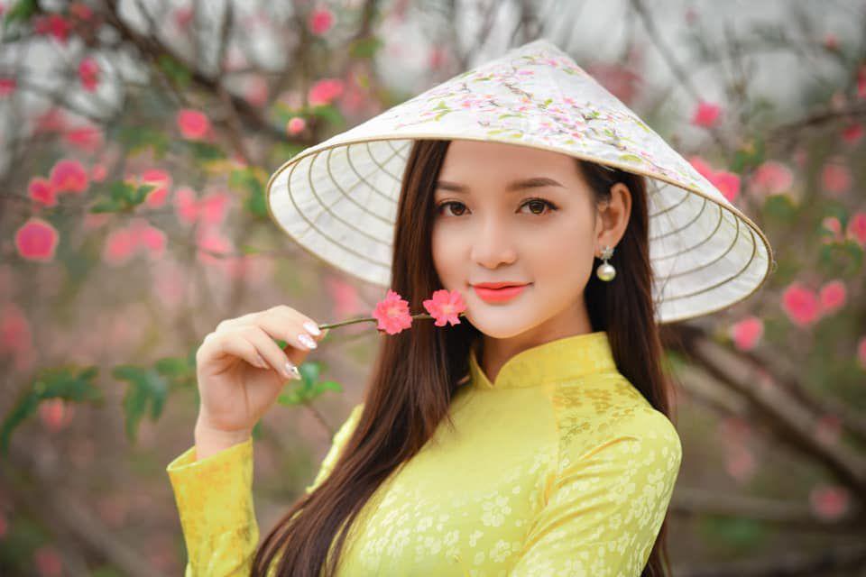 Ngắm vẻ đẹp Long lanh của gái xinh Hari Oanh