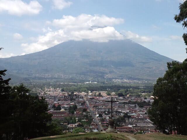 アンティグア 十字架の丘 パカヤ火山