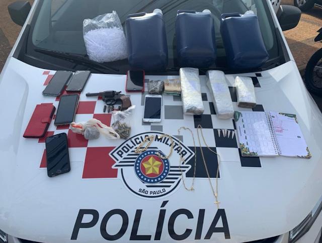 Ação policial recupera R$ 21 mil em joias furtadas em Guaraci. Dois estão presos.