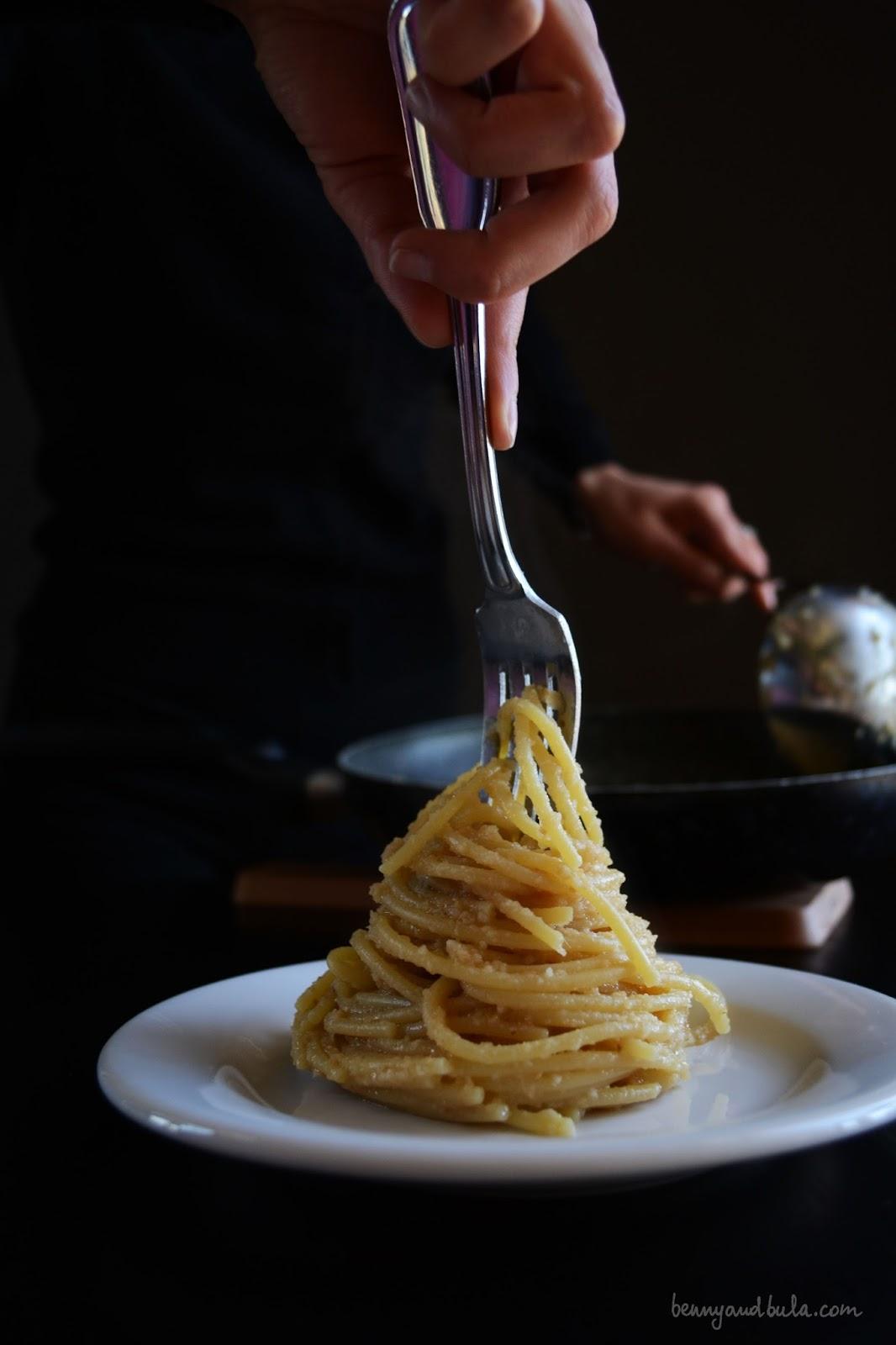 ricetta spaghetti con pangrattato e acciughe/bread crumbs and anchovies pasta recipe