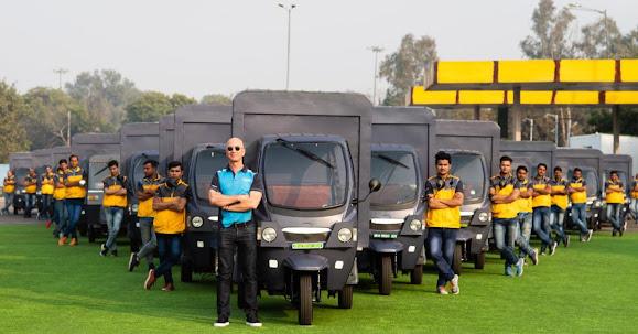 Jeff Bezos and Amazon India workers