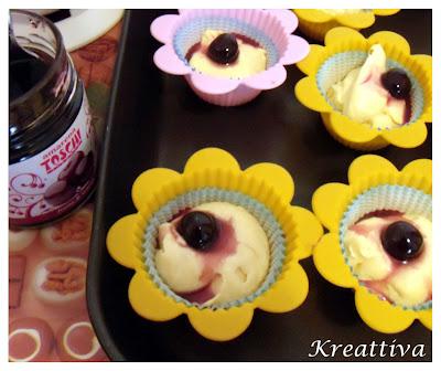 preparazione cupcake all'amarene