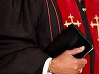 Kisah Pastor Masuk Islam Setelah Gagal Bakar Qur'an