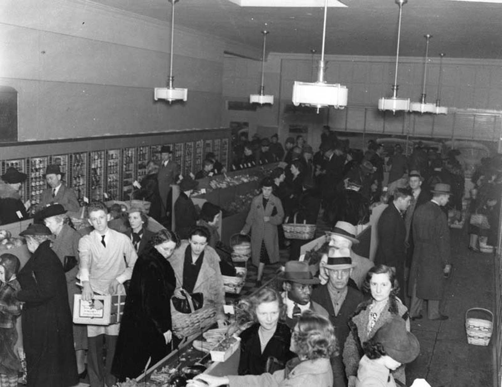 Shoppers inside Keedoozle. Memphis historian Michael Freeman writes,