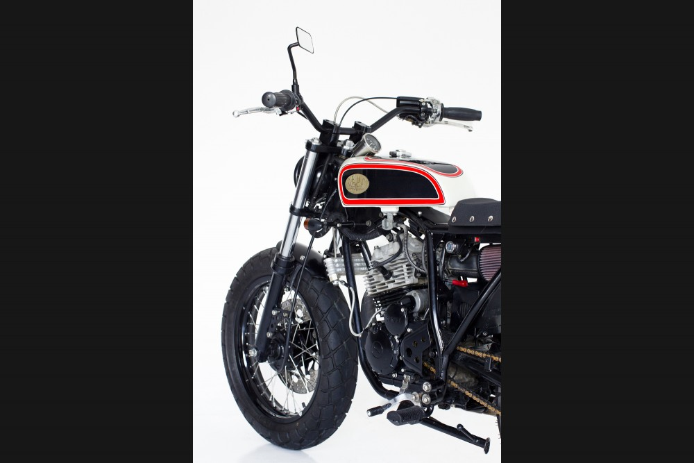 Racing Caf U00e8  Yamaha Sx 225  U0026quot Street Tracker U0026quot  By Deus