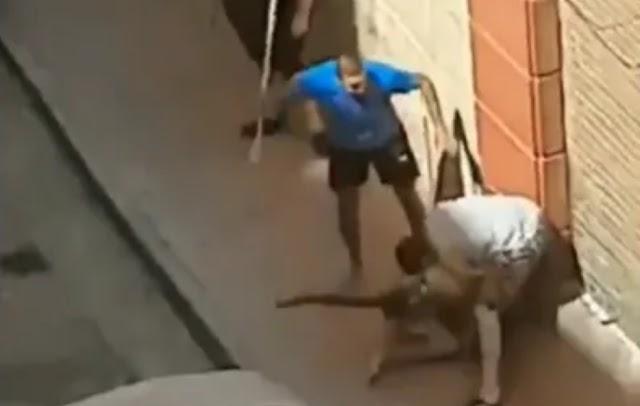 Spanyolország: Kislányt molesztált az őrjöngő migráns, három fiatal verte össze – Videó