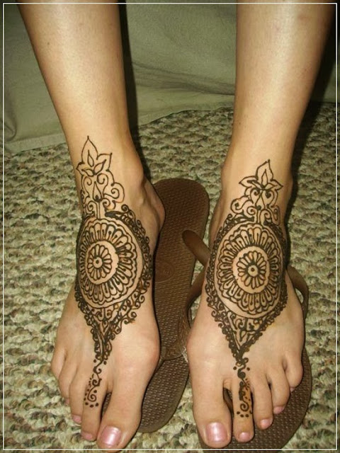 Mehendi Designs for Legs, Bridal Henna Foot designs for Women