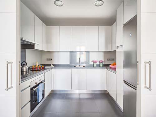 Malaga che mix arredamento facile for Cucina moderna con finestra