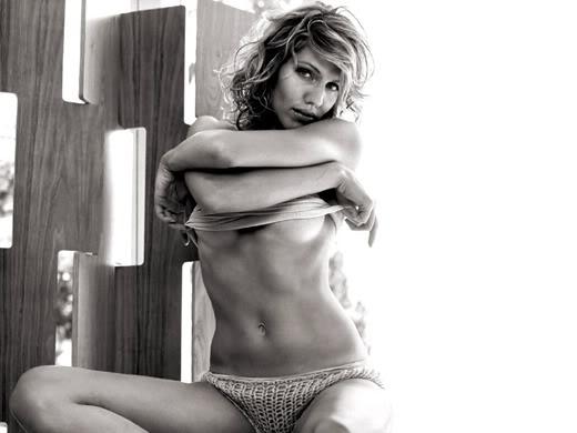 tricia helfer undressing