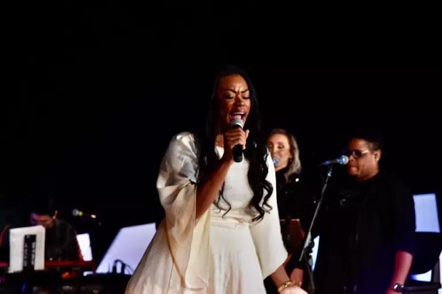 Elaine Martins lança EP com canções da live MK 10 Milhões