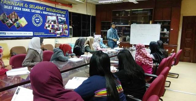Kader Muda NU Malaysia Ini Buka Kelas Bahasa Inggris untuk Pekerja