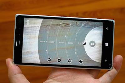 Thay mat kinh dien thoai Lumia 730 gia re chat luong