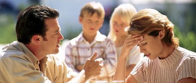 تأثير الطلاق على الطفل في سن الطفولة